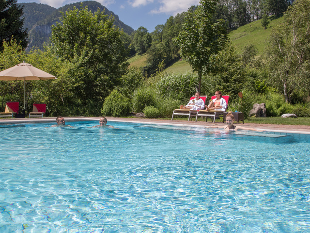 Thermenbad hallenb der pools wellnesshotel gesundhotel for Gartenpool angebote